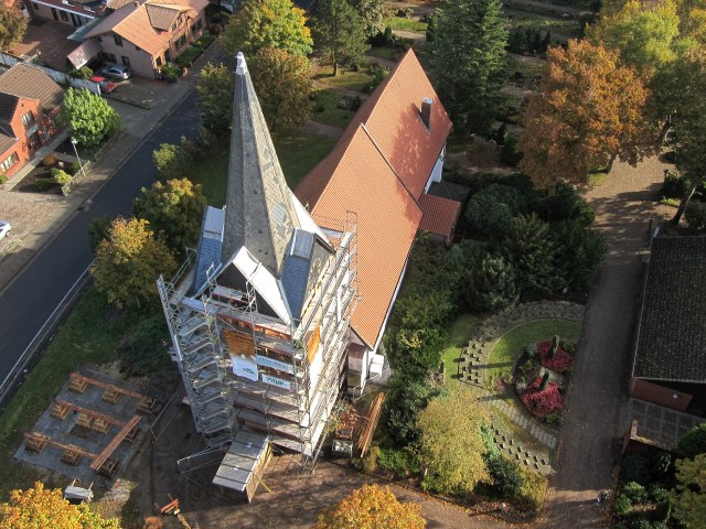 Kirchturm - Foto: video-kopter.de